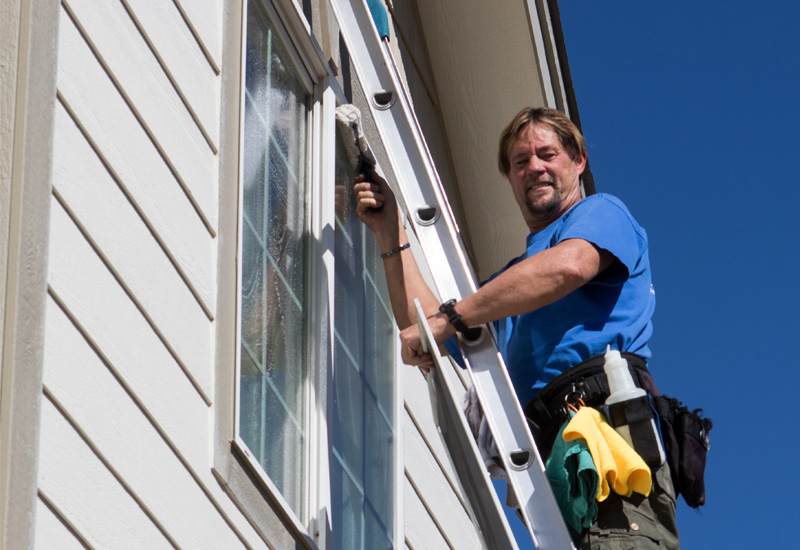 Professional-Window-Cleaner-Castle-Pines-CO